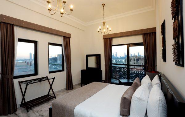 Luxury With Balcony Apartment